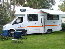 Luxury motorhome hire rentals return or oneway from Darwin or Alice Springs